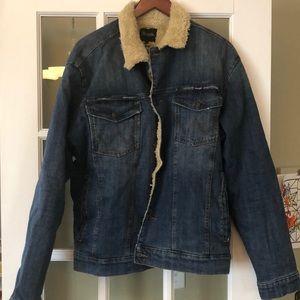 NWT Sherpa lined wrangler denim jacket